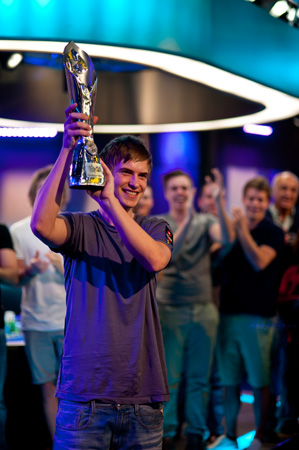 "WCOOP 2017: Viktor ""Isildur1"" Blom returns, earns fourth COOP title in Event #58-H ($2,100 HORSE)"