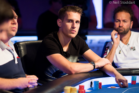 http://www.pokerstarsblog.com/en/blog/mike_mcdonald_ept10bar_shr2.jpg